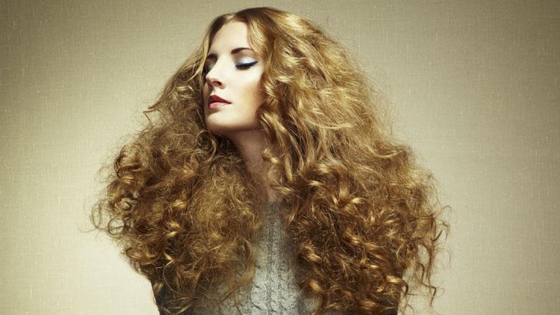 Tagliate spesso le punte dei capelli poiché questi trattamenti le indeboliscono