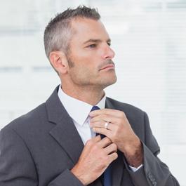 Gli uomini più invecchiano più migliorano