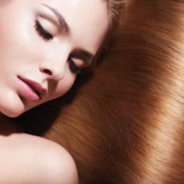 Prova ad usare un trattamento ristrutturante completo per re-idratare i tuoi capelli