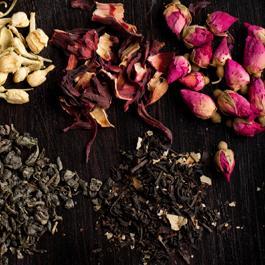 Le tisane naturali sono preziose alleate dell'organismo, perché contengono vegetali ricchi di principi attivi